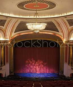 Saenger closed curtain