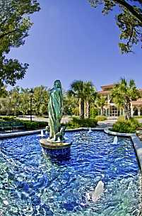 Daphne statue at Daphne City Hall
